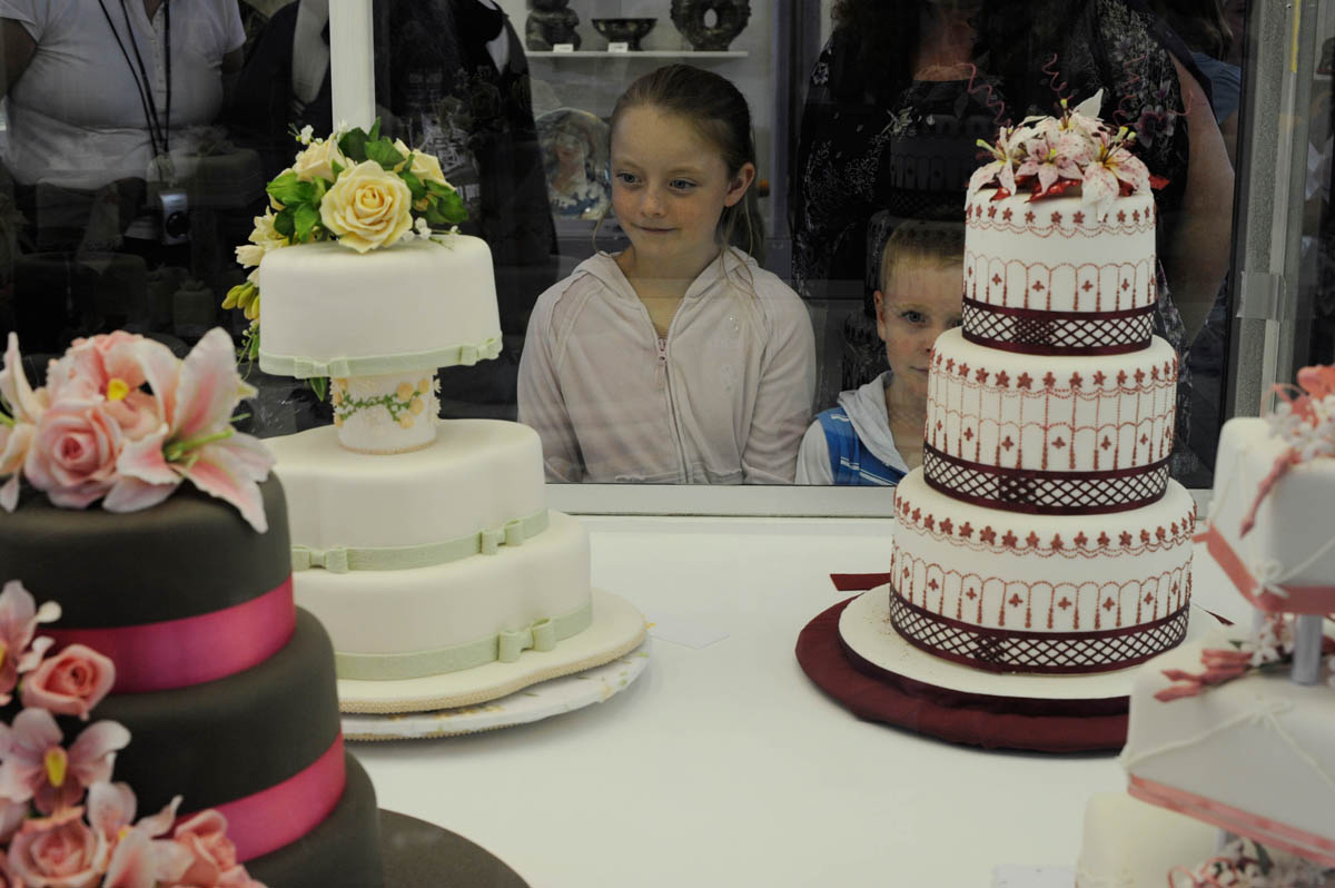 Wedding cake exhibits
